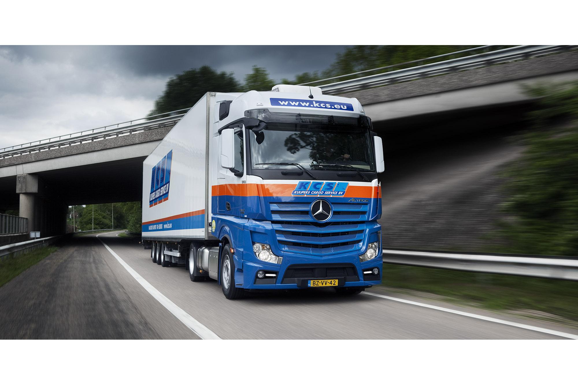 SPUISERS vrachtauto truck fotografie KCS mercedes Kuipers Cargo Service